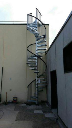 Shkalle spirale metalike